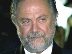 Óscar Ventura - (João Perry)